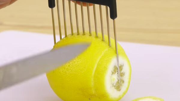تقطيع الليمون