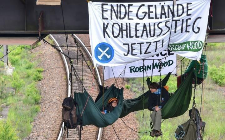 محتجون ضد الفحم