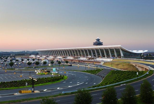 مطارات