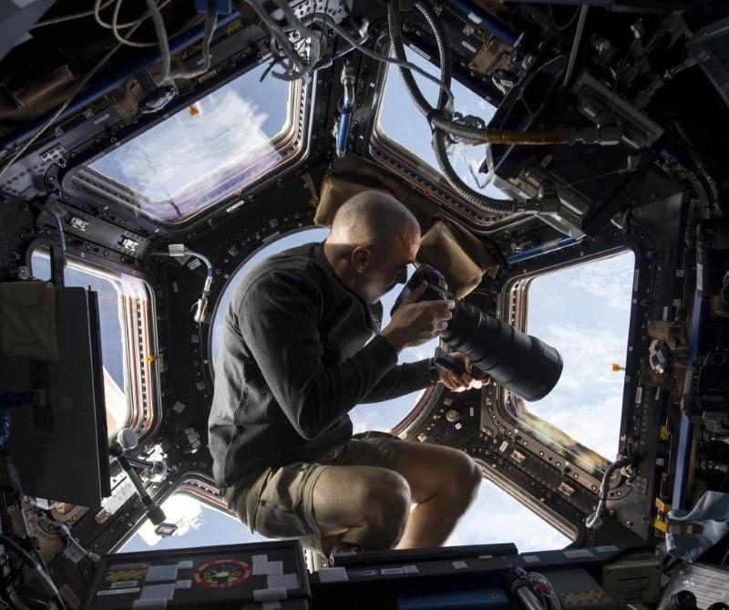 رواد الفضاء في محطة الفضاء