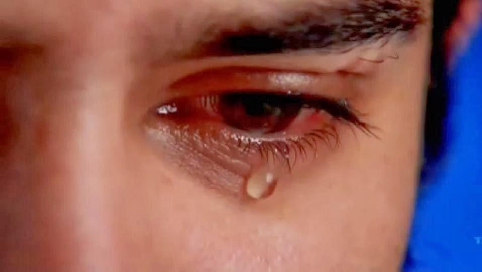 دموع الإنسان