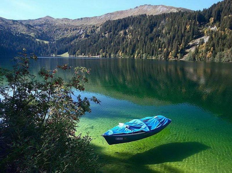 أجمل بحيرة