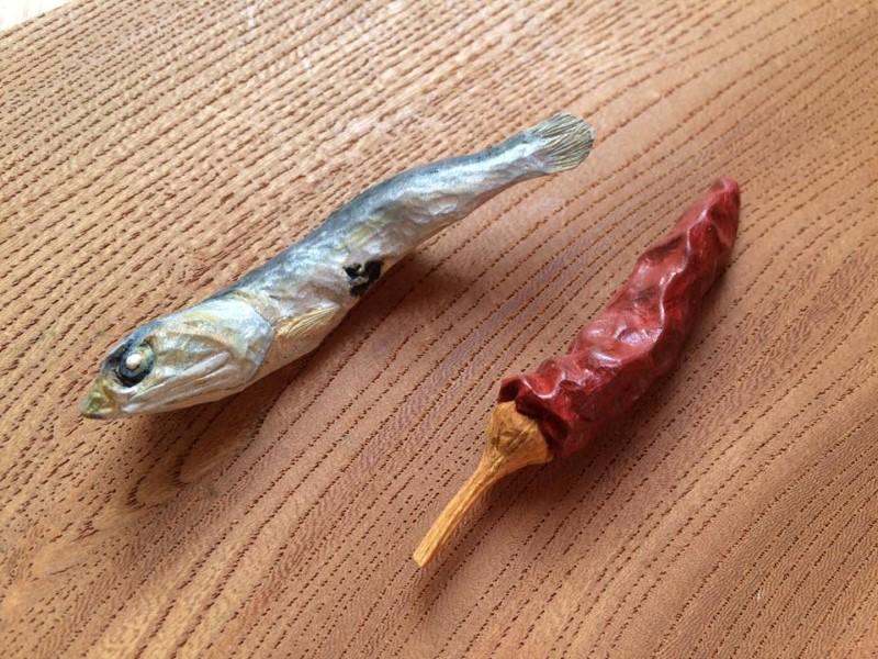 منحوتات طعام خشبية