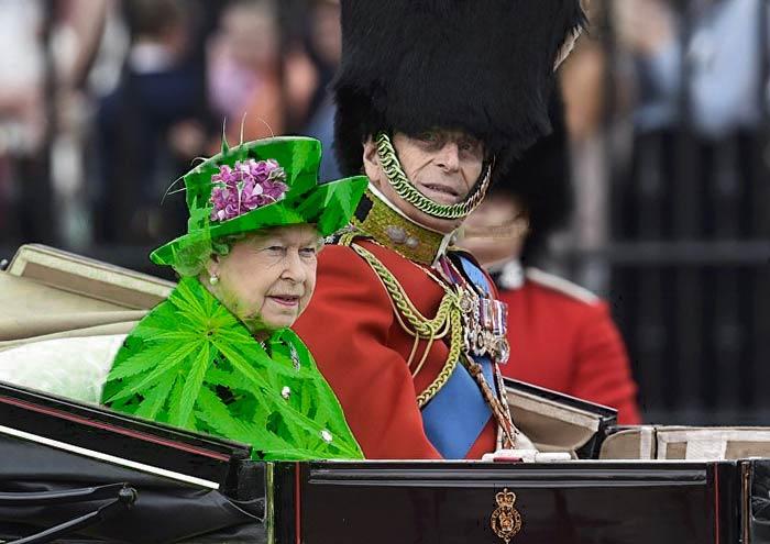 صور مضحكة ملكة انجلترا