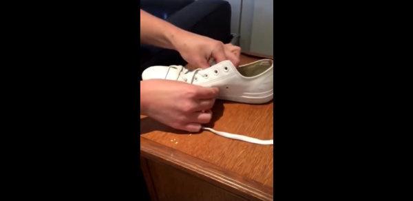 ربط أحذية كونفرس