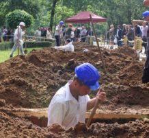 Hungarian Gravediggers
