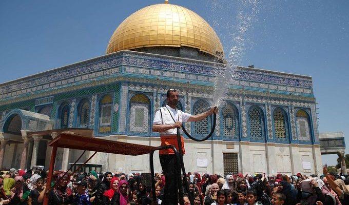 صور حول العالم: الأجواء الرمضانية في المسجد الأقصى والمزيد..