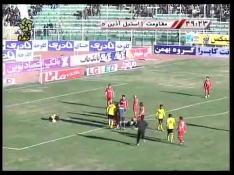 لاعب يضيع هدف محقق