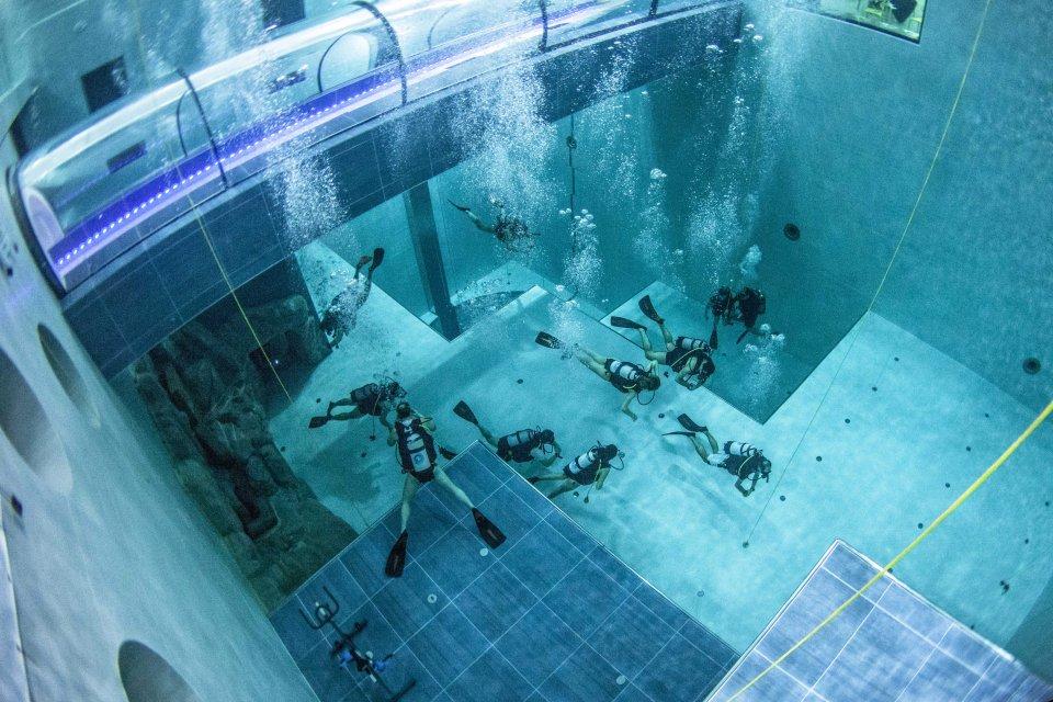 أعمق حوض سباحة