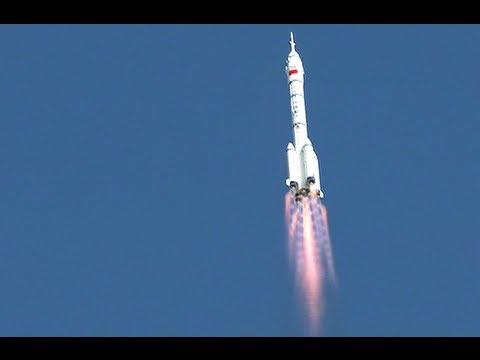 إطلاق مركبة إلى الفضاء