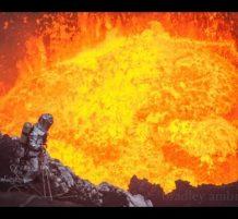 حمم بركانية متلاطمة