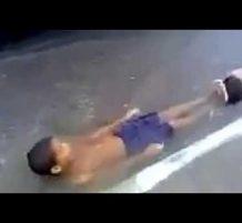 زحليقة ماء في الشارع