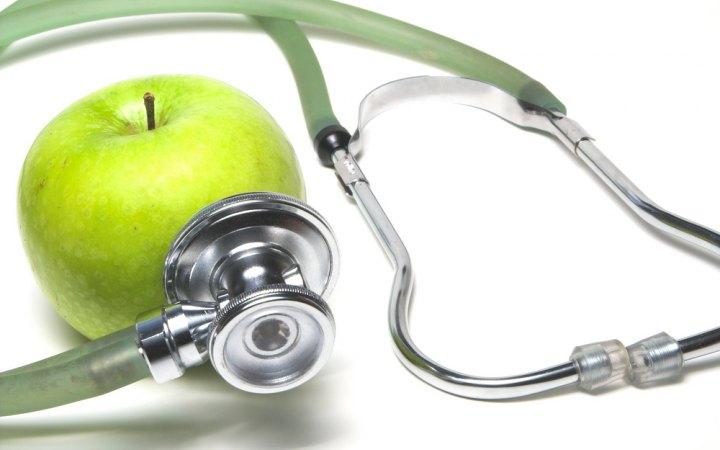 تفاحة في اليوم تغنيك عن زيارة الطبيب