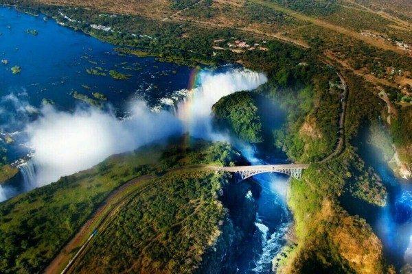 صور منوعة: شلالات فيكتوريا، أحد أكبر شلالات العالم والمزيد..