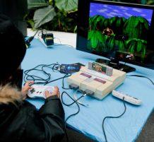 ألعاب فيديو قديمة