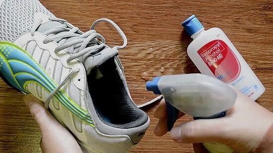 التخلص من روائح القدم
