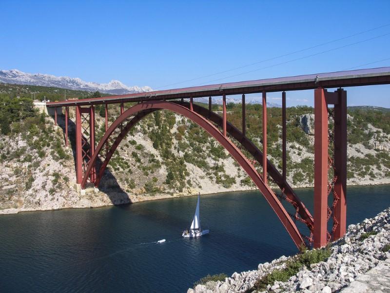الجسور المقوسة