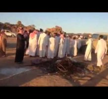 سعودي يحرق سيارته