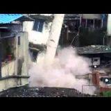 انهيار مبنى بعد لحظات من إخلائه