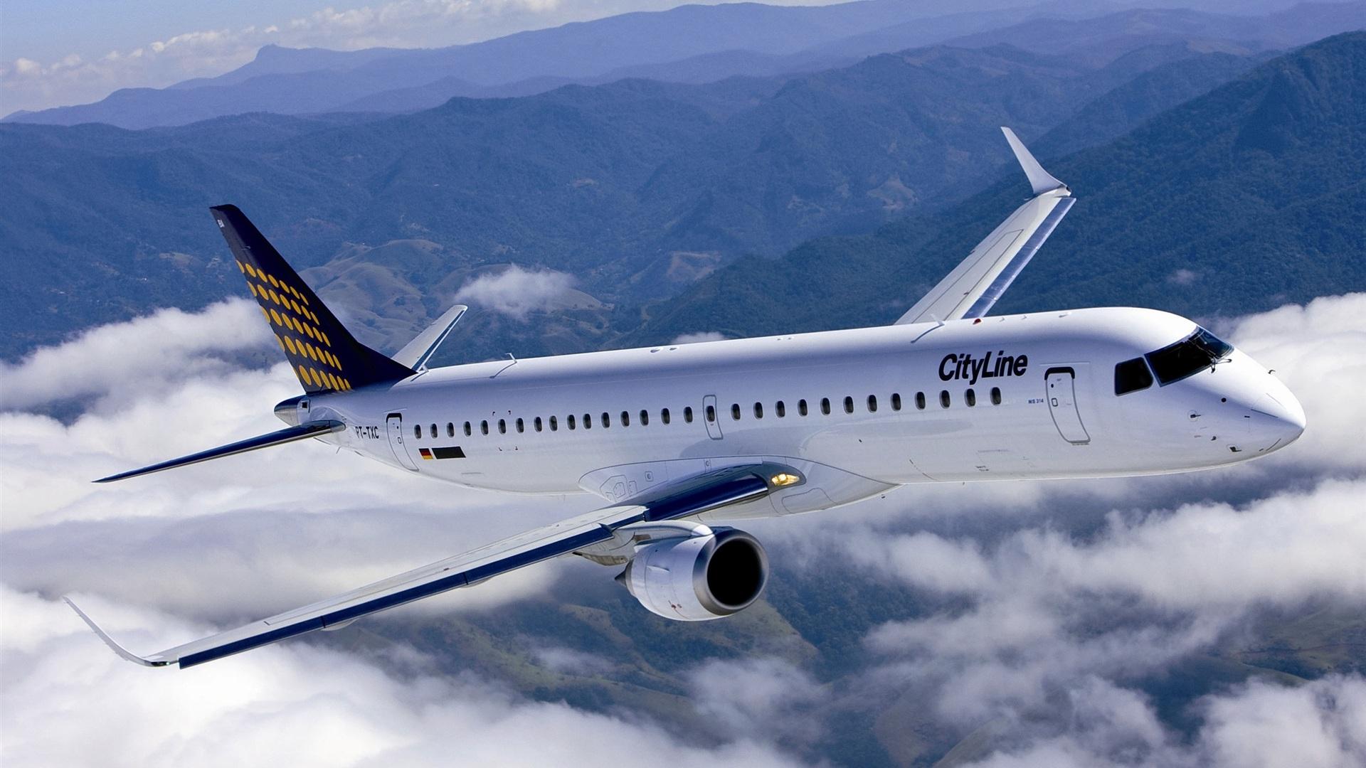 اللون الأبيض للطائرات