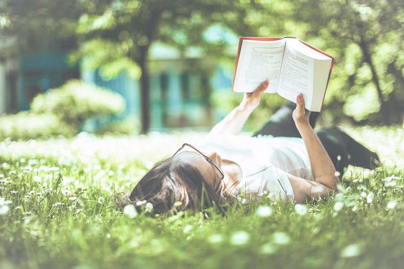 عادات يومية تتسبب في جفاف أعيننا دون أن نعلم  عادات يومية تتسبب في جفاف أعيننا دون أن نعلم