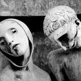 التماثيل المرعبة