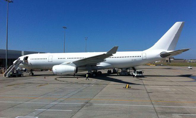 ما هو سبب اختيار اللون الأبيض لطائرات الركاب؟