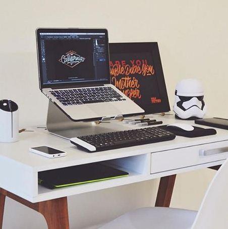 مكاتب عمل جميلة