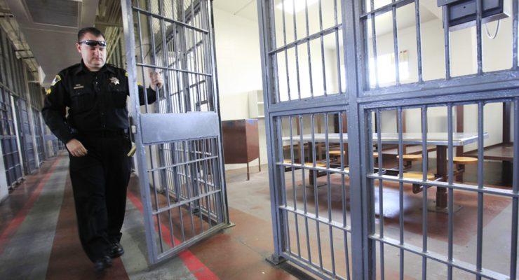 لماذا لا يوجد سجناء في هولندا ؟