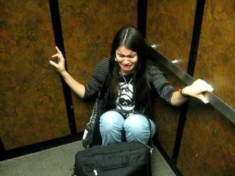 سقوط المصعد