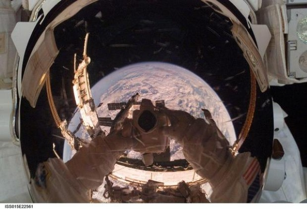 سيلفي الفضاء