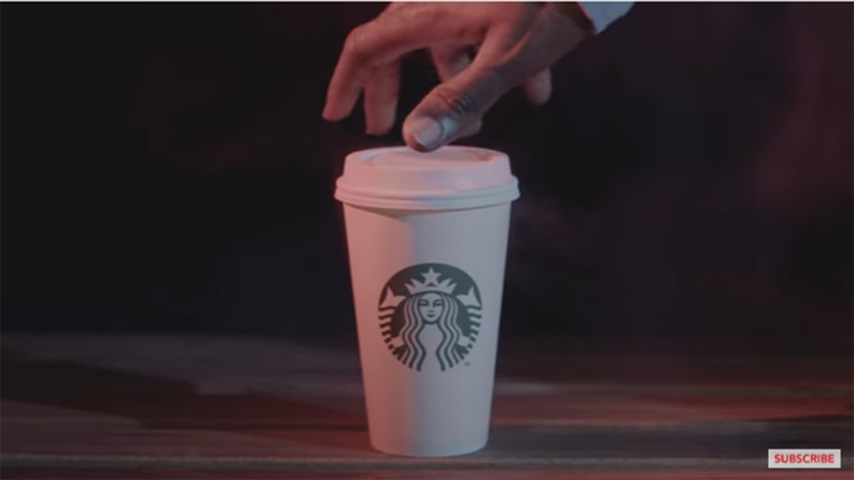 كتابة اسمك على أكواب القهوة