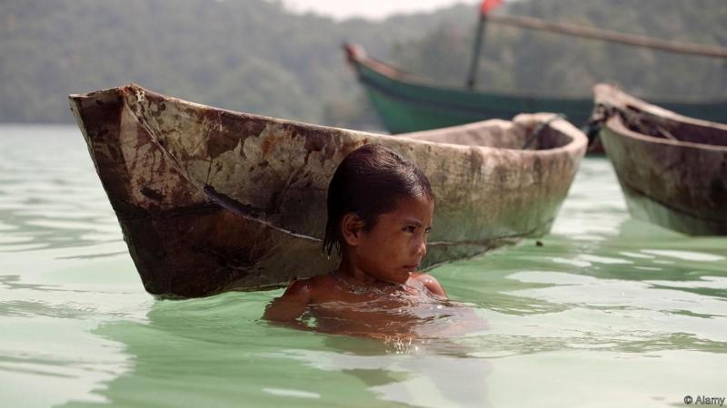 """أطفال """"بدو البحر"""" الذين يبصرون تحت الماء كالدلافين!؟ 3-%D8%A8%D8%AF%D9%88-%D8%A7%D9%84%D8%A8%D8%AD%D8%B1"""