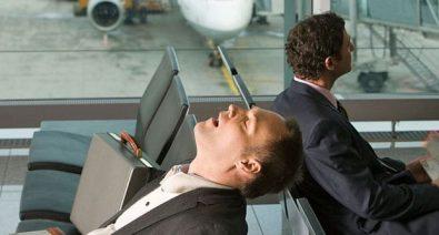 كيف تتغلب على التعب الناتج عن اختلاف التوقيت أثناء السفر؟