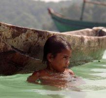 sea nomad children