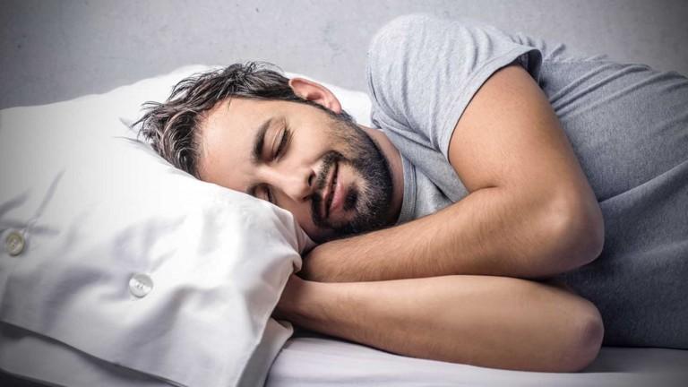 النوم يحل المشاكل