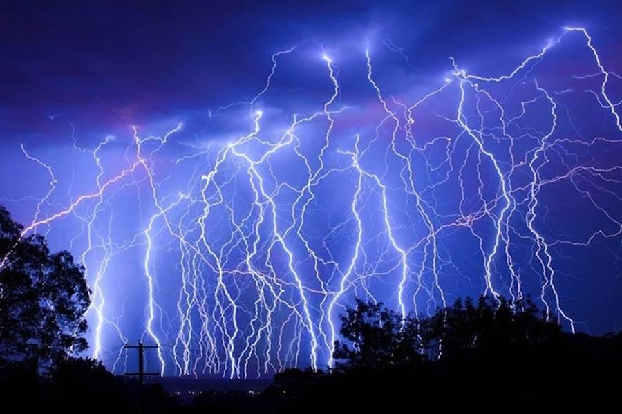 الكهرباء الصواعق؟ 1-%D8%A7%D9%84%D9%83