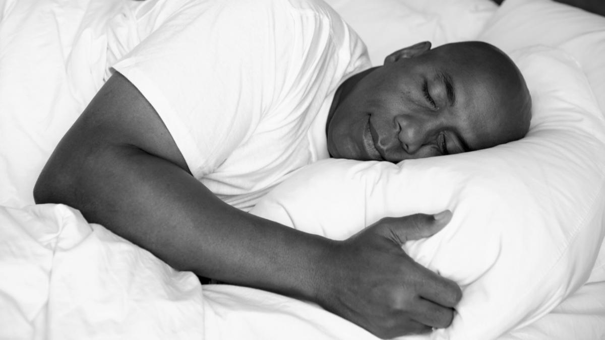 الناس يتكلمون أثناء النوم
