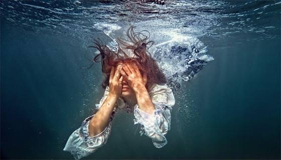 cry underwater