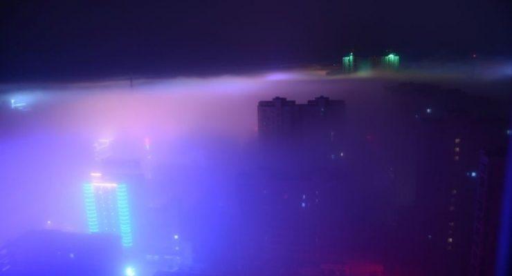 صور حول العالم: الضباب الدخاني يحجب ناطحات السحاب في الصين..