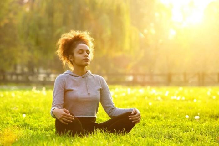 كيف يمكن لطريقتك في التنفس أن تزيد من كفاءتك العقلية والبدنية؟