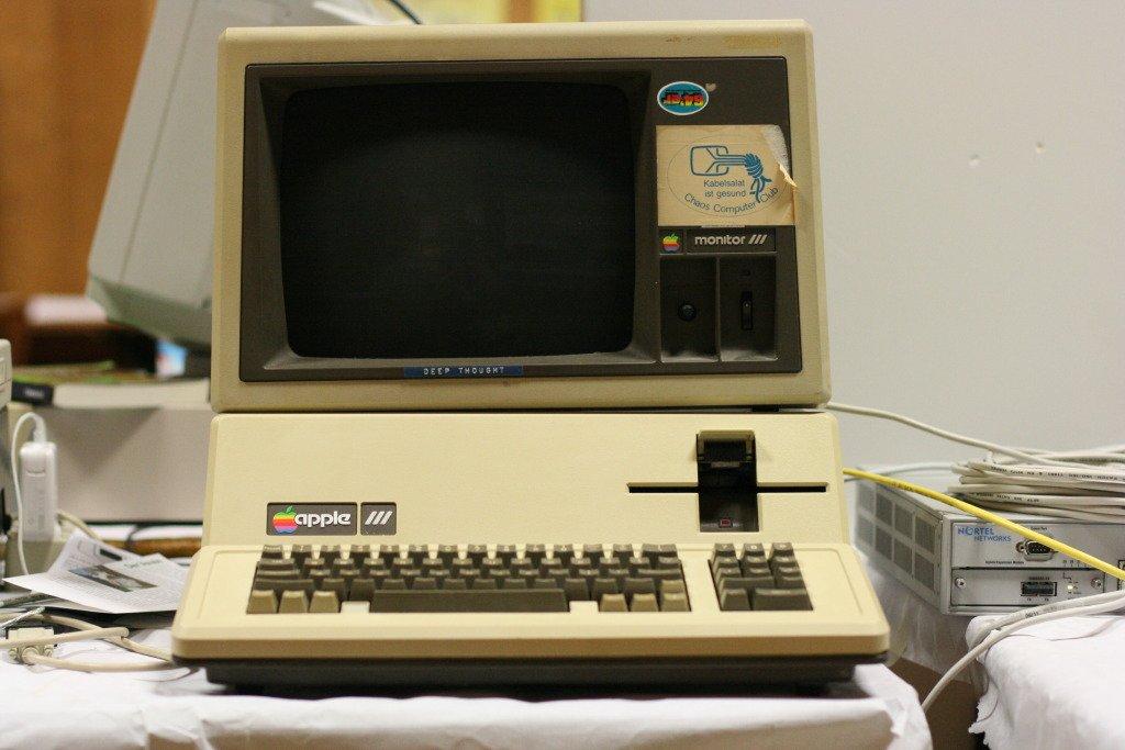 كمبيوتر آبل 3