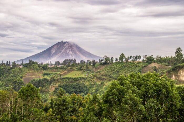 بركان سينابونغ
