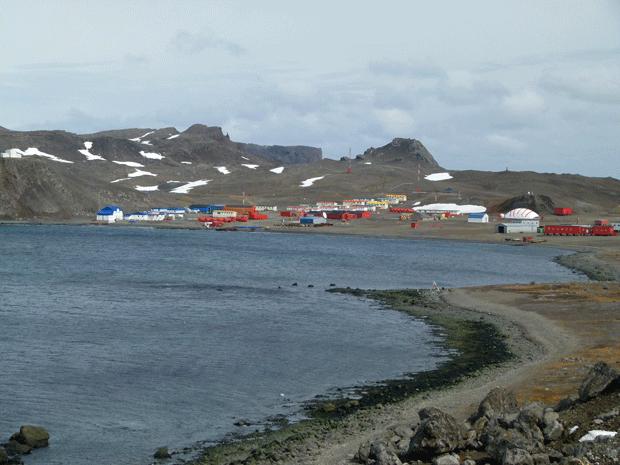 جزيرة في القارة القطبية المتجمدة