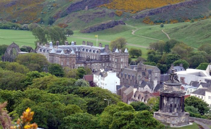 القصر الملكي في بريطانيا