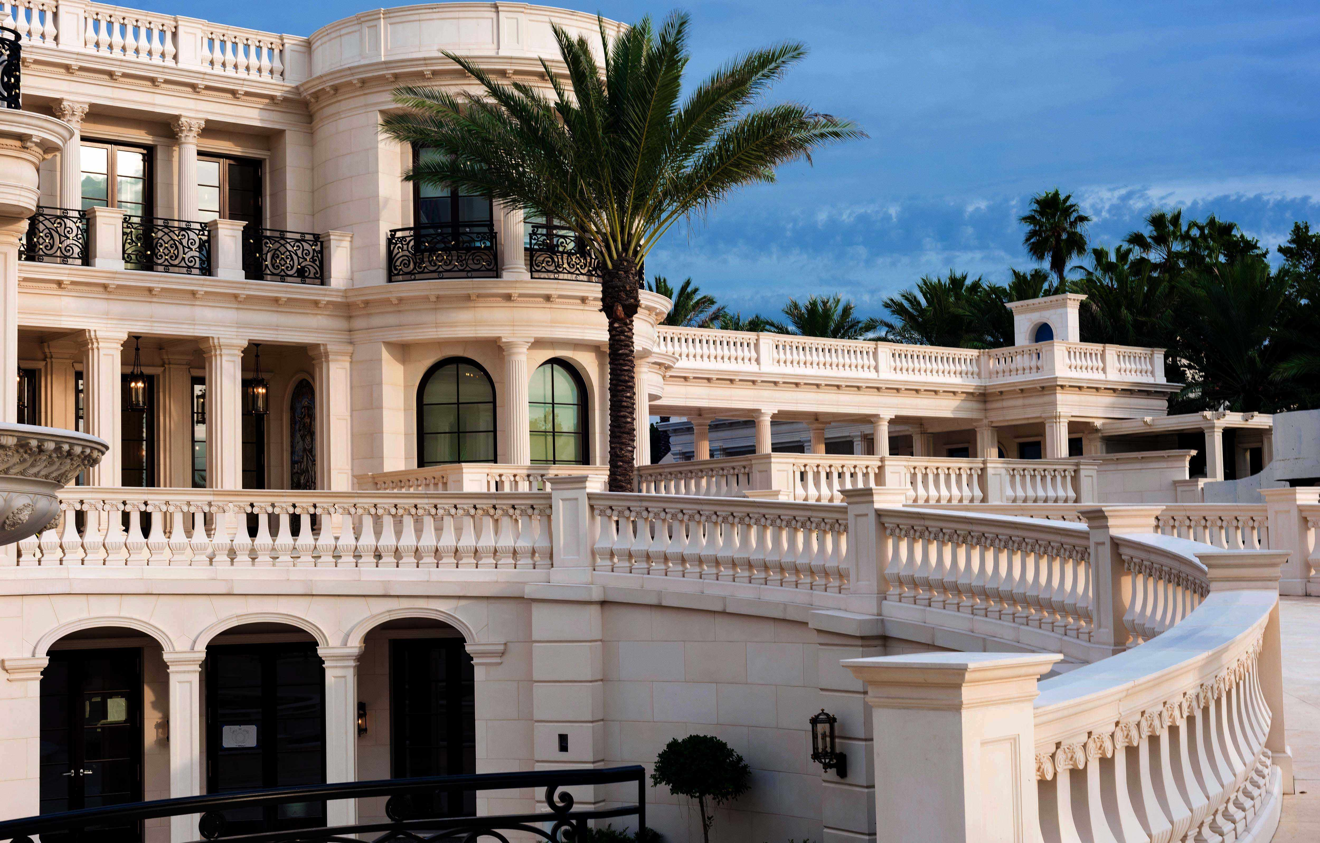 Top 10 Planet's Most Expensive Billionaire Houses