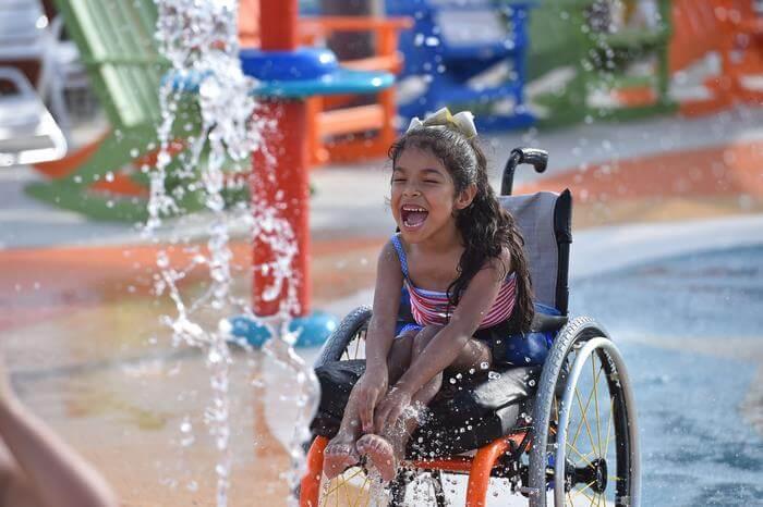 أول مدينة ألعاب مائية لذوي الاحتياجات الخاصة في تكساس!