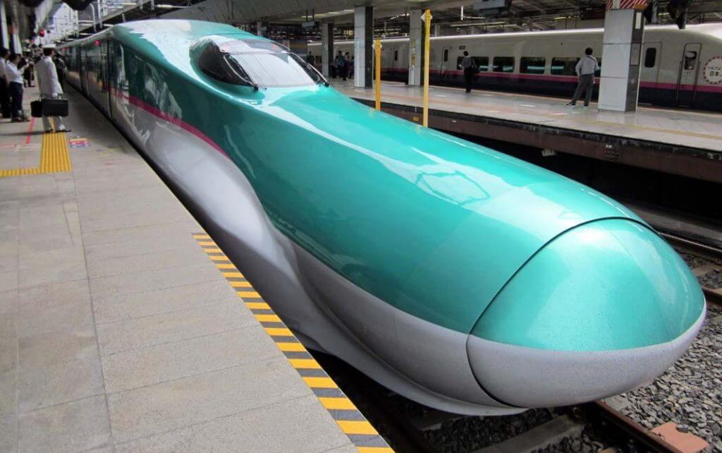قطار E5 series ShinKansen Hayabusa