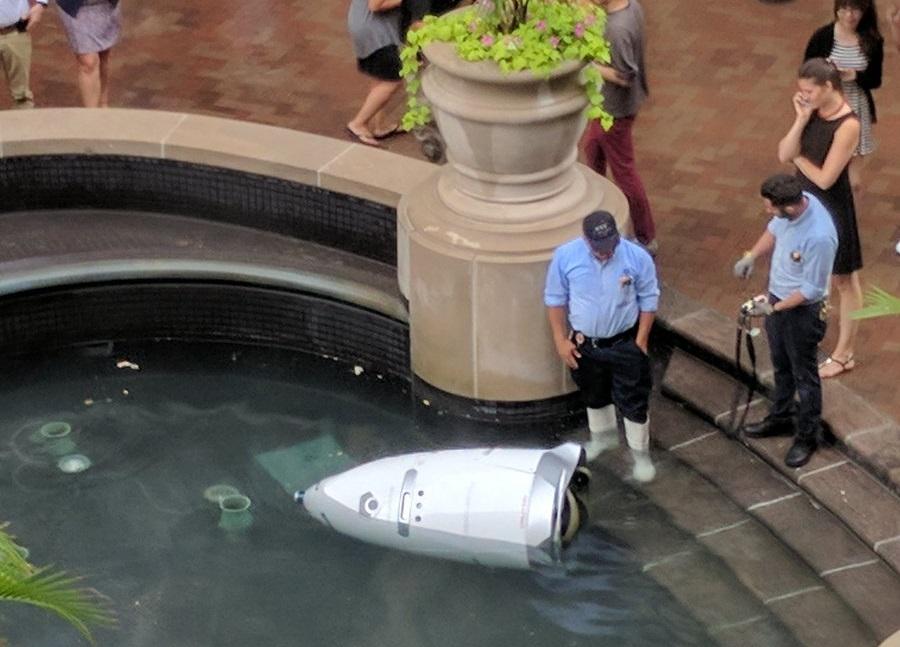 ما سر الروبوت الذي انتحر في واشنطن؟