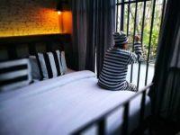 فندق على غرار سجن